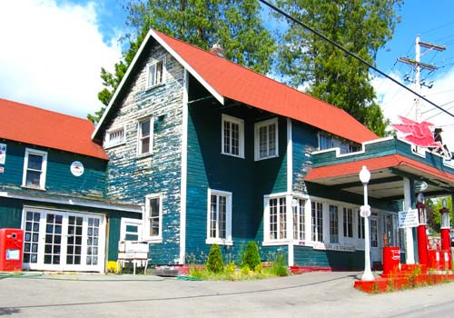 Old Filling Station Lynwood, WA